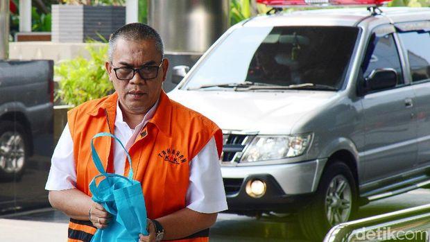 Bupati nonaktif Muara Enim Ahmad Yani tiba di KPK. Kedatangannya untuk jalani pemeriksaan terkait kasus suap yang menjerat dirinya.