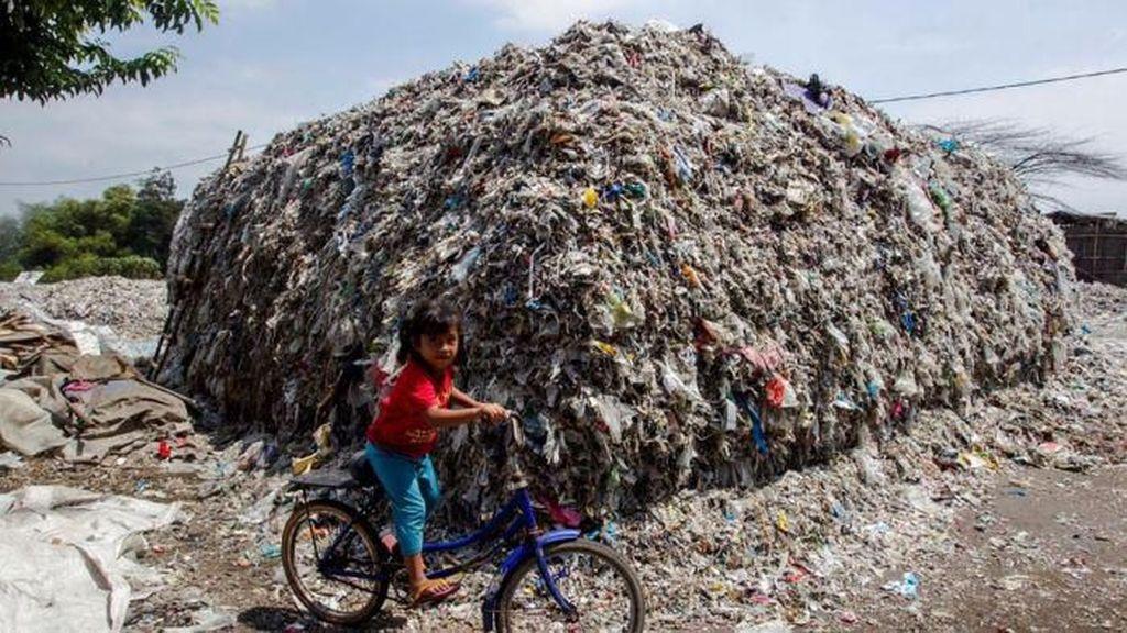 Kami Ingin Melarang, Sampah Australia Cemari Bahan Makanan di Jatim