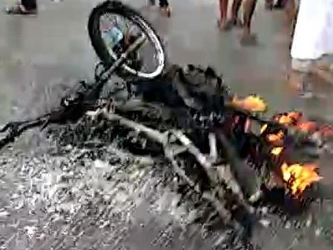 Ricuh Sengketa Lahan di Makassar, Warga Kena Panah-Motor Dibakar