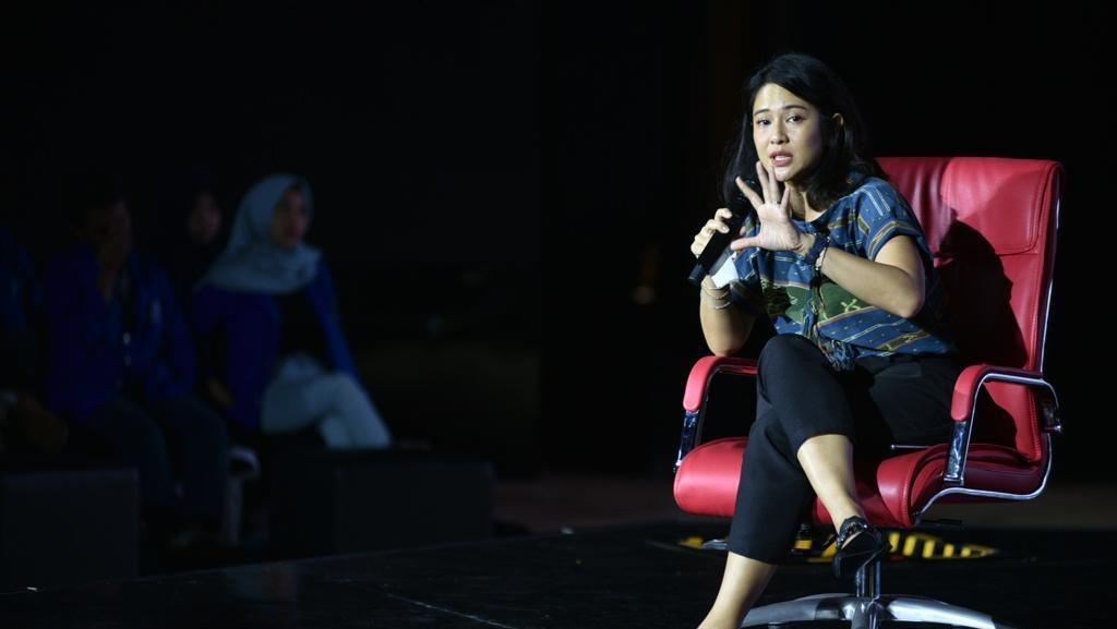 Dian Sastro & Angkie Yudistia Berbagi Kisah Jadi Relawan