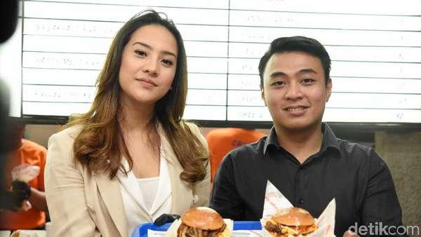 Sudah Cicipi Burger Anya Geraldine?