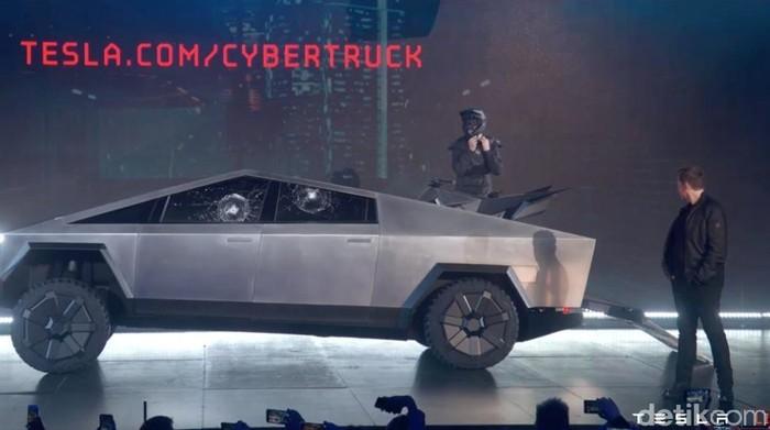 Tesla Cybertruck diperlihatkan di Amerika serikat.