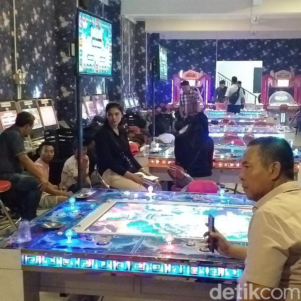 Begini Modus Judi Ketangkasan di Surabaya yang Digerebek