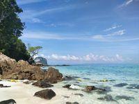 Pantai di Phi Phi Island, Thailand