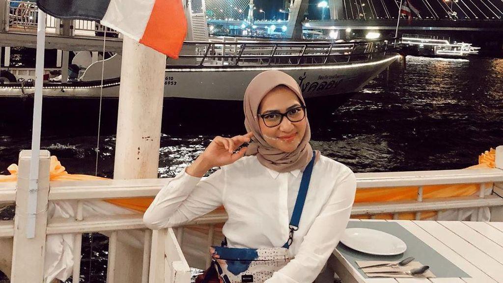 Kenalan dengan Angkie Yudistia, Staf Khusus Presiden yang Suka Ngopi