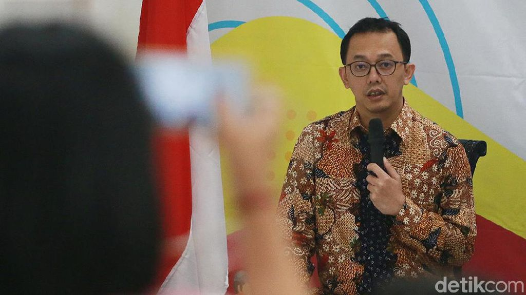 Komisioner Komnas HAM Kritik Keras Naik Pesawat Wajib PCR: Merepotkan!