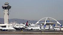 Mesin Semburkan Api, Boeing 777 Terbang Kembali ke Los Angeles