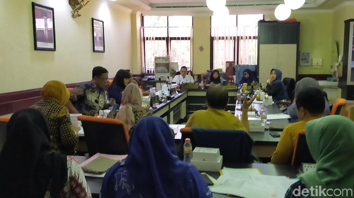 Hearing di DPRD Surabaya (foto: Deny Prastyo Utomo)