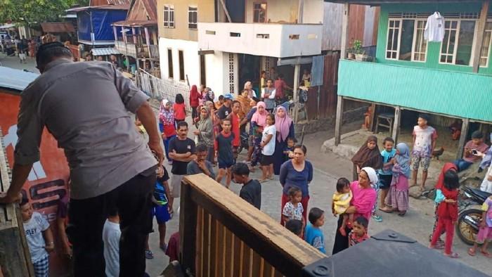 Foto: TKP Gadis Pinrang Bunuh Diri (Hermawan Mappiwali-detikcom)