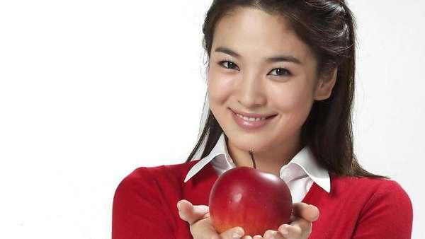 HBD Song Hye Kyo! Ini Foto-foto Masa Kecil hingga Sekarang