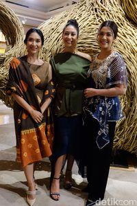 Pendiri Tulola Jewelry, Happy Salma bersama
