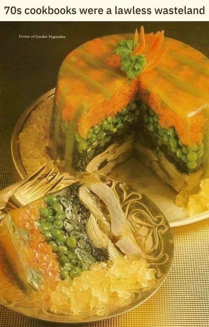Duh, apa kamu berselera melihat hasil resep ini? Puding sayuran ini berasal dari sebuah buku resep tahun 1970an. Foto: Istimewa