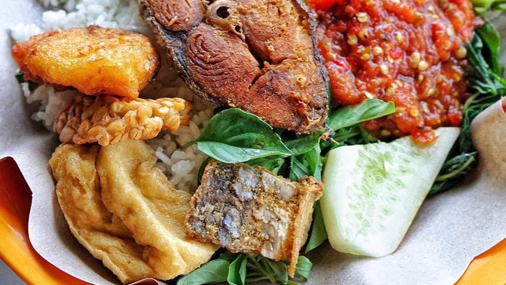 Liburan ke Banyuwangi Wajib Makan Sego Tempong Komplet di Sini