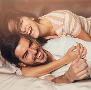5 Manfaat Tidak Terduga Seks di Pagi Hari
