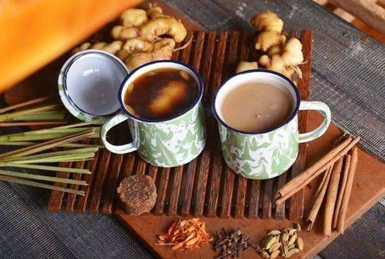 Ragam minuman tradisional memang banyak jenisnya. Ada jamu, wedang, bandrek hingga minuman khas berbagai daerah. Siapa sangka netizen ternyata kreatif membuat aneka meme dari minuman tradisional ini. Foto: istimewa