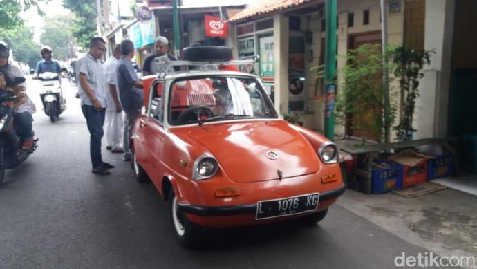 Mobil Pertama Mazda di Jalanan Jakarta