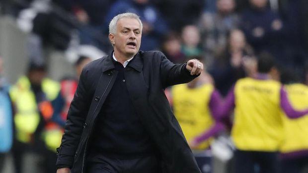 Jose Mourinho empat kali kalah melawan Chelsea.