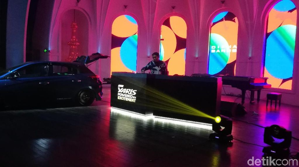 Toyota-Dipha Barus Panaskan Milenial Jelang DWP