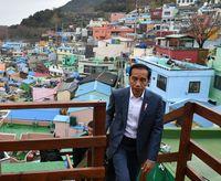 Jokowi Puji Kampung Warna-warni Korea, Indonesia Punya 6 Pak