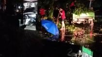 Angin Kencang Robohkan 3 Bangunan di Rest Area Tol Ngawi, 1 Orang Terluka