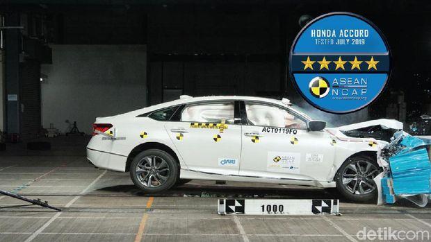 Crash Test Honda Accord mendapatkan rating 5 bintang