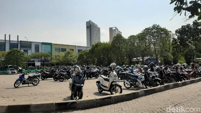 Raup Cuan dari Parkiran