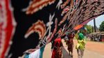 Parade Batik Sepanjang 1.000 Meter Mejeng di Mojokerto