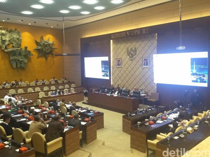 Foto: Rapat Komisi V DPR bahas hasil investigasi kecelakaan Lion Air PK-LQP (Nur Azizah Rizki Astuti/detikcom)