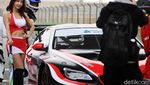 Senyum Manis Grid Girl di Asian Le Mans