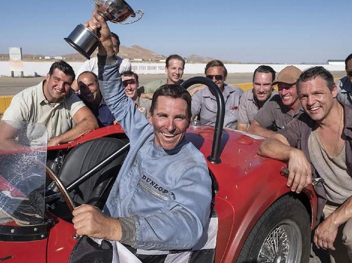 Christian Bale dalam film Ford v Ferarri.