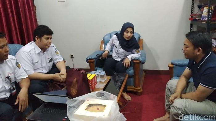Pihak Muhammadiyah menemui kunjungan PT KCI, usai insiden terperosknya aktivis IMM ke celah peron.  (Wilda Nufus/detikcom)