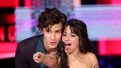 Shawn Mendes dan Camila Cabello Kolaborasi Terbaik Tahun Ini