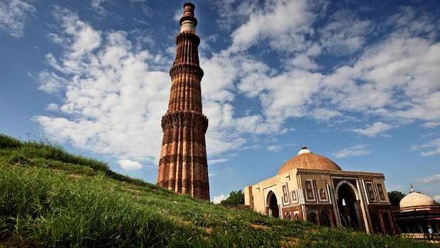 Menjelajahi Jejak Kejayaan Islam di Delhi, India