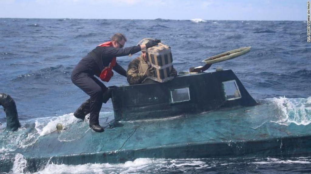 Spanyol Sita Kapal Selam Bawa 3 Ribu Kg Kokain