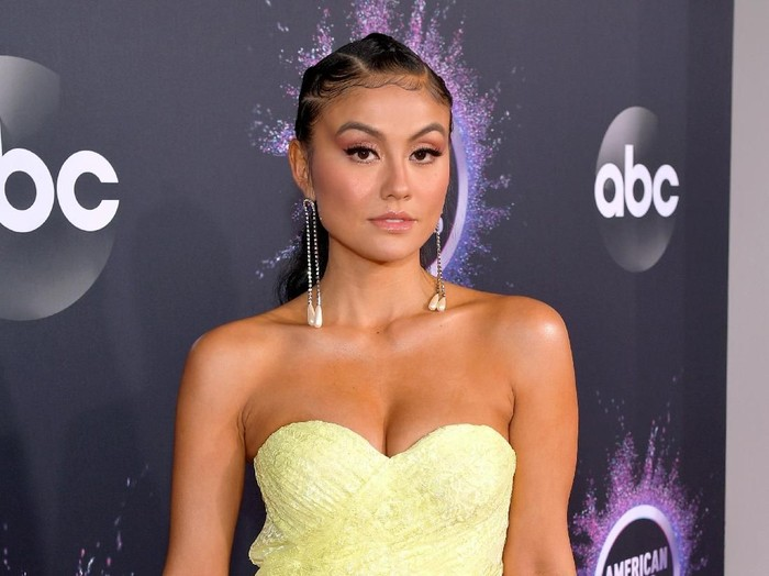 LOS ANGELES, CALIFORNIA - NOVEMBER 24: Agnez Mo attends the 2019 American Music Awards at Microsoft Theater on November 24, 2019 in Los Angeles, California. (Photo by Matt Winkelmeyer/Getty Images for dcp)