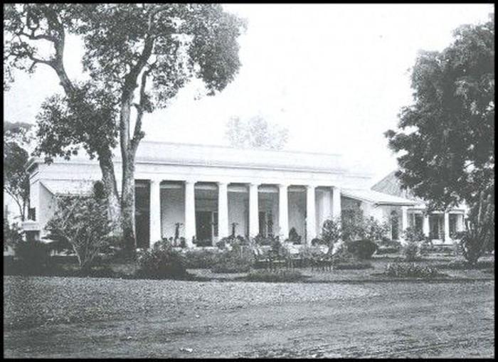 Gedung Volksraad di Pejambon, kini menjadi Gedung Pancasila. Dulu ada faksi radikal di Volksraad alias DPR era Hindia Belanda. (Dok situs Dinas Pariwisata dan Kebudayaan DKI)
