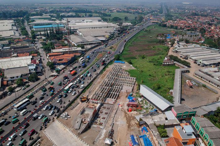 Begini penampakan terkini pembangunan jalan layang Tol Cisumdawu, Kabupaten Bandung, Jawa Barat.