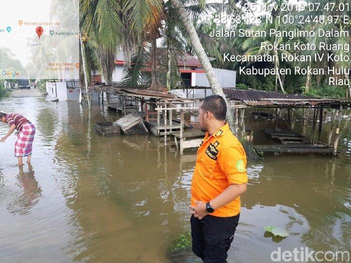 Foto: Banjir landa Rohul Riau (Dok ist)