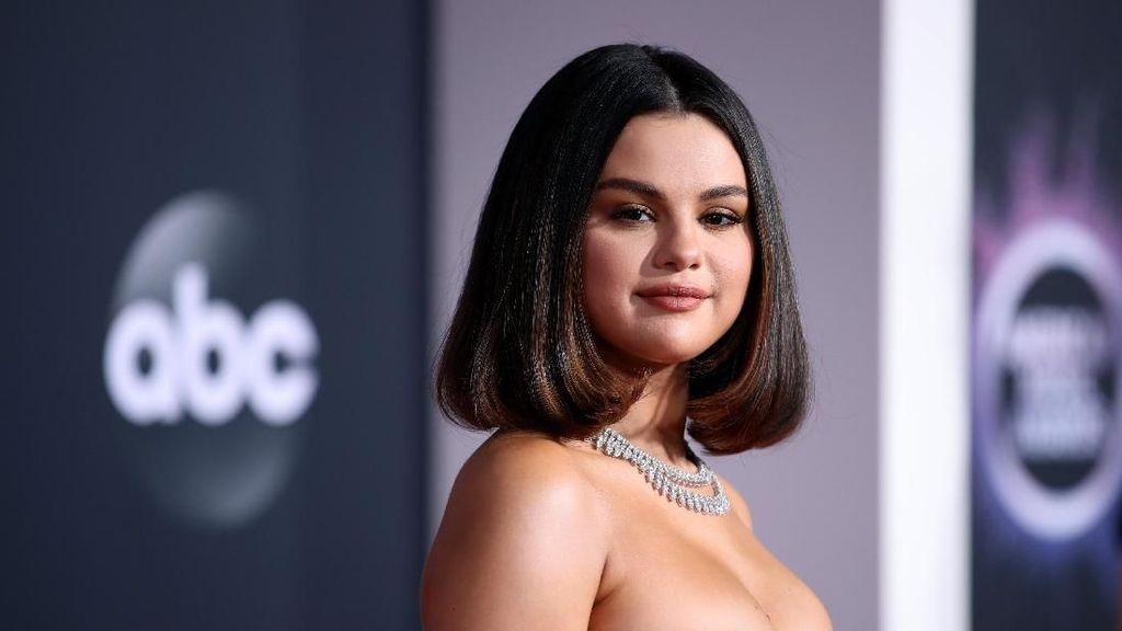 Terungkap! Alasan Rihanna, Lady Gaga hingga Selena Gomez Absen di Grammy