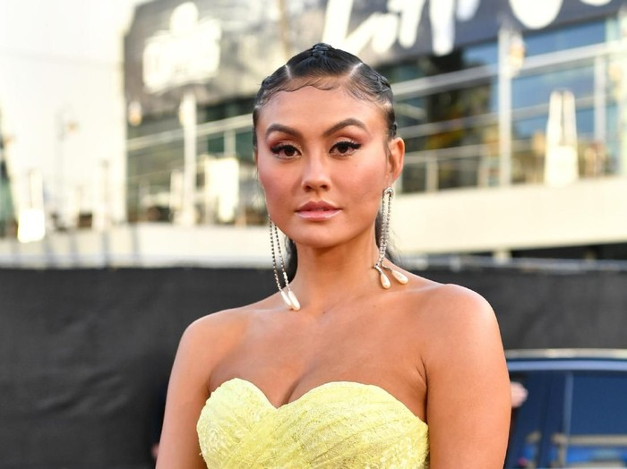 LOS ANGELES, CALIFORNIA - NOVEMBER 24: Agnez Mo attends the 2019 American Music Awards at Microsoft Theater on November 24, 2019 in Los Angeles, California. (Photo by Emma McIntyre/Getty Images for dcp)