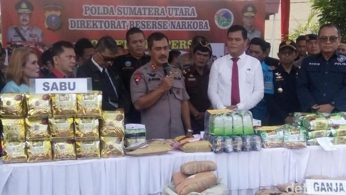 Polda Sumut memusnahkan narkoba hasil operasi Direktorat Reserse Narkoba periode Juli-November 2019. (Ahmad Arfah/detikcom)