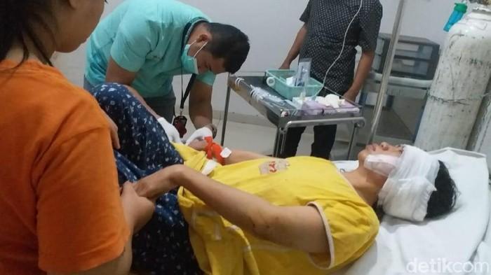 Wanita korban gigitan anjing pitbull di Makassar. (Dok ist)