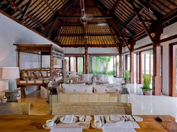 Vila tersebut dilengkapi dengan 4 kamar tidur, ruang tamu hingga ruang makan luas layaknya rumah mewah (dok Casa Evaliza)