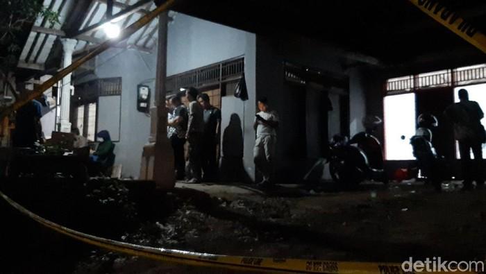 Rumah di Tasikmalaya yang digerebek petugas BNN. (Foto: Deden Rahadian/detikcom)