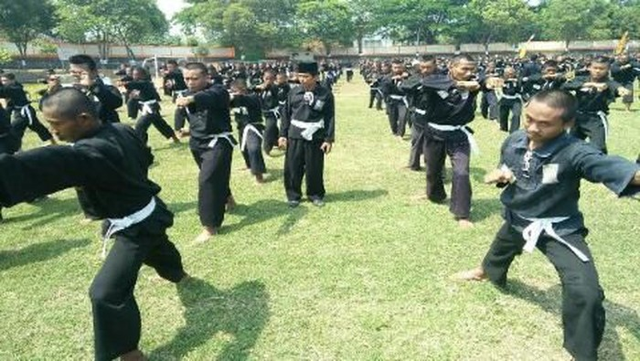 Latihan perguruan silat PSHT di Sragen, beberapa waktu lalu. (Foto: dok. Istimewa)