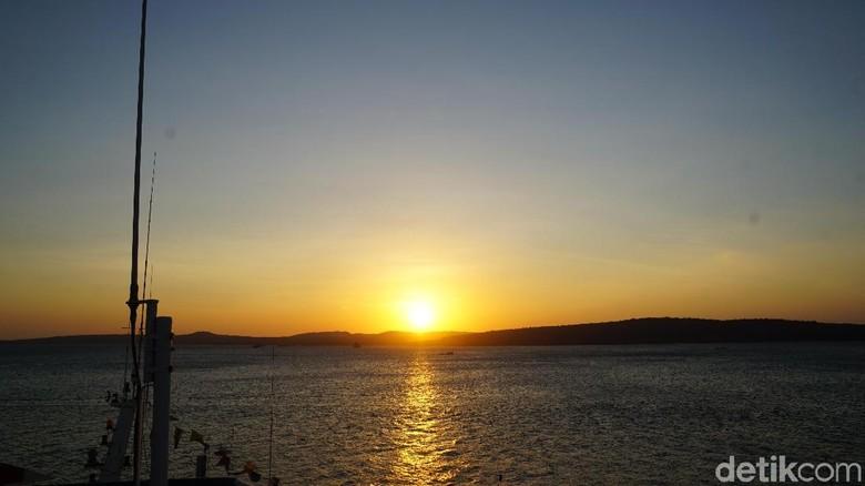 Sunset di Pelabuhan Tenau Kupang (Syanti Mustika/detikcom)