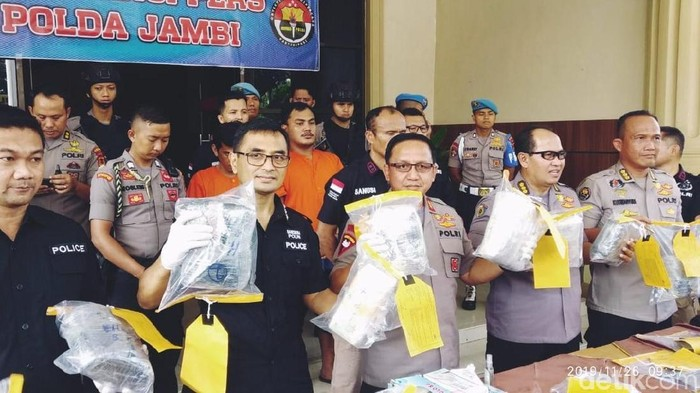 Foto: Polda Jambi mengungkap penyelundupan narkoba asal Malaysia. (Ferdi-detikcom)