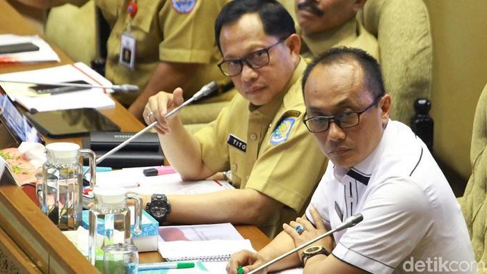 Mendagri Tito Karnavian dan Dirjen Dukcapil Zudan Arif (Lamhot Aritonang/detikcom)
