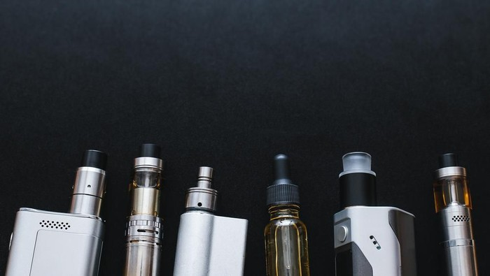 Keberadaan rokok elektrik atau vape masih jadi pro dan kontra. (Foto: Shutterstock)