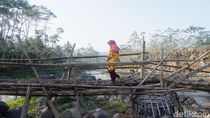 Jembatan Bambu Memprihatinkan Ini Jadi Penghubung 2 Kabupaten di Jateng